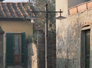 schöne mediterrane GartenlampeNr. 40023  von Surya Luce Terme.Wetterfeste Beleuchtung aus Italien.