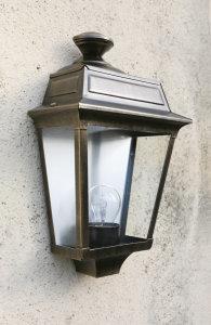 klassik-leuchten.de: 02. Place des Vosges 1 Tradition Nr. 02 klassische Wandlampe von Roger Pradier