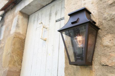 klassik-leuchten.de: 2. Wandlampe Vieille France Nr. 2, klassische Außenleuchte von Roger Pradier