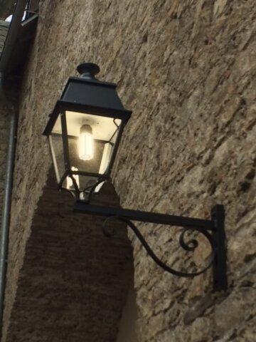 Avenue 4 klassische Wandlampe Nr. 03 von Roger Pradier